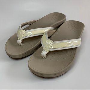 Vionic Cream Platform Thong Sandals